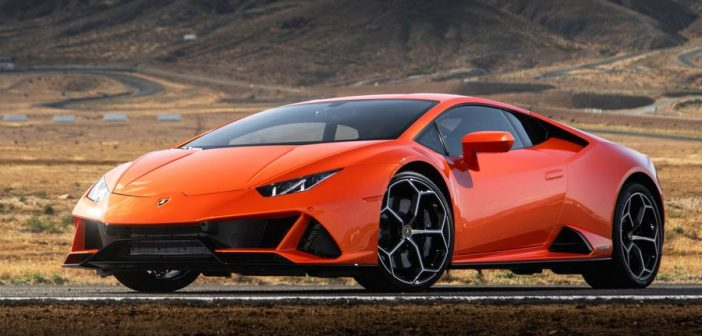 LAMBORGHINI'S HURACÁN EVO SEES THE FUTURE—AND MAKES YOU LOOK GREAT